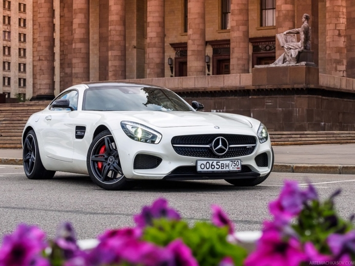 Mercedes-AMG GT-S vs Mercedes S500 Coupe
