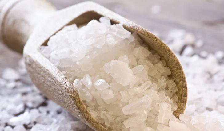 Что происходит с организмом, когда в нём много соли