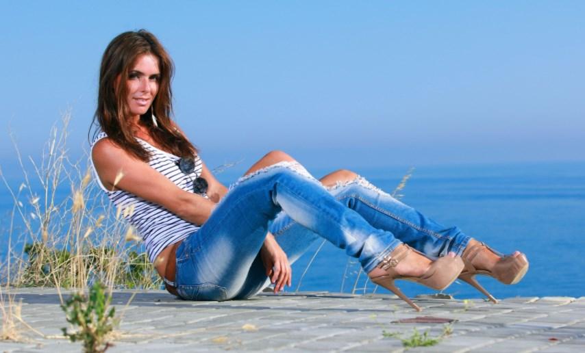 Фотки девушек в джинсах