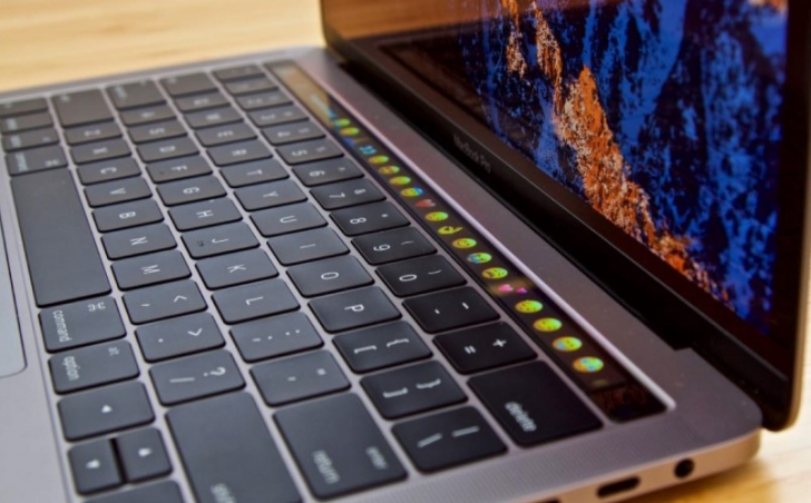 Apple будет чинить MacBook бесплатно
